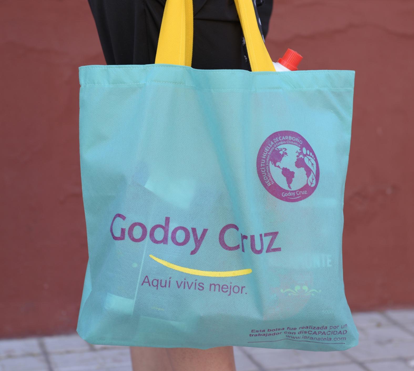 8b1a6e500 Comenzaron a distribuirse las bolsas ecológicas en los barrios de ...
